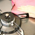 キッチンの油汚れの上手な落とし方|簡単に落とせる方法をいくつかご紹介!【生活の知恵】